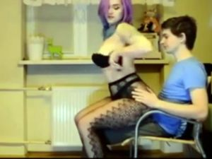 Purple haired slut in pantyhose let me...