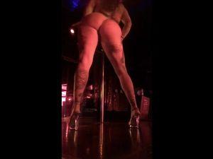 Huge ass Portland girl stripper is perfect...