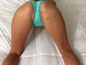 Whore takes off her bikini and doing footjob