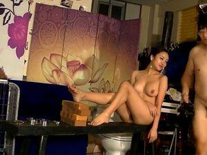 Chinese model Li ZiXi sexy bondage scene