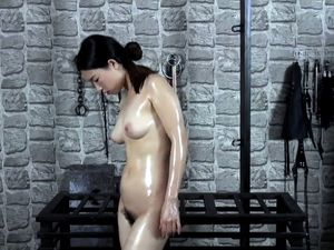 Chinese Bing Bing bondaged in cell