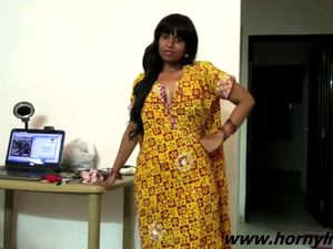 Indian female Bhabhi talking without panties