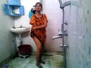 Sexy Indian College girl nude in hostel...