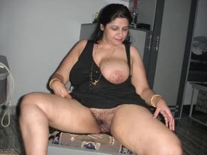 North indian chubby aunty sucking so...