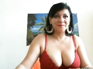 Mature Big Breast Play on Webcam