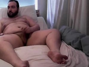 Bear Chub Cums on Webcam