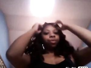 Ebony Ass Spread on Webcam