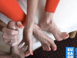 nice feet mom