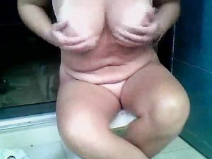 A MILF in the bathroom