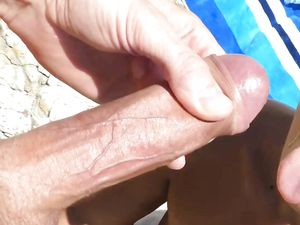 Beach facial cumshot