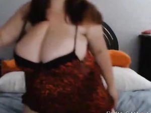 Chubby Big Busty on Webcam - negrofloripa -v2