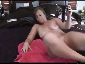 White Girl With A Phat ASS Rides Dildo