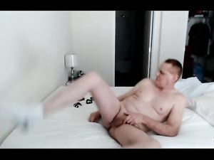 Kevin Yardley masturbates to large porn...