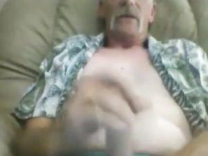 Hot mature man unloading