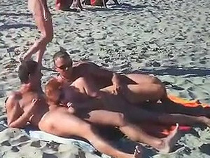 Two women sucking cock at bay of pigs