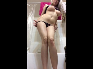 Tall babe with big breasts show yummy pussy