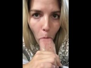 Cute girlfriend sucked...