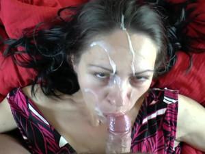 She drowns in cum