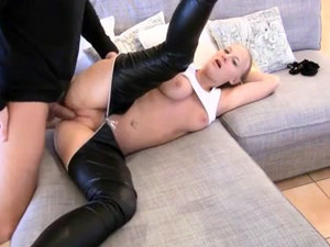 Horny german girl fucked at home and gets...