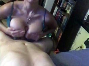 Hot wife doing nice titjob in this selfie...