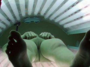 Hidden cam in czech solarium room, amateur...